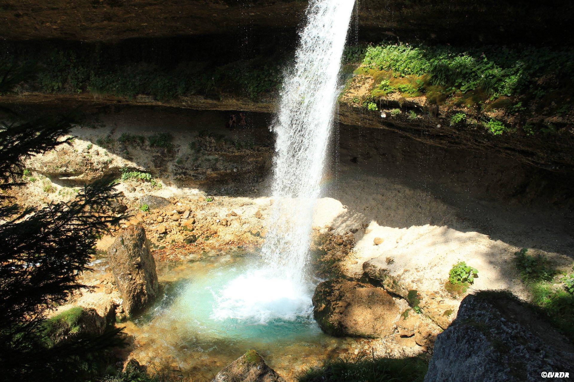 Bassin de la cascade de Pericnik
